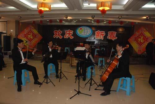 外聘教师的弦乐四重奏《茉莉花》