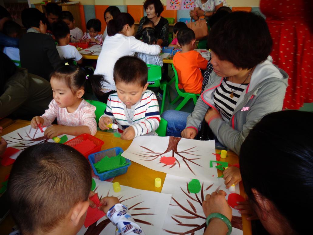 亲子制作:撕纸粘贴画《苹果树》-静海县第一幼儿园